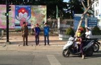 đoàn viên xã tân xuân tham gia đứng chốt giao thông hè 2016